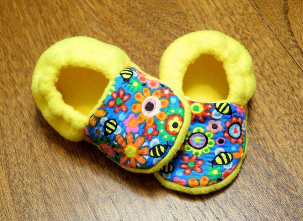 Honey Bees and Yellow Fleece Baby Booties