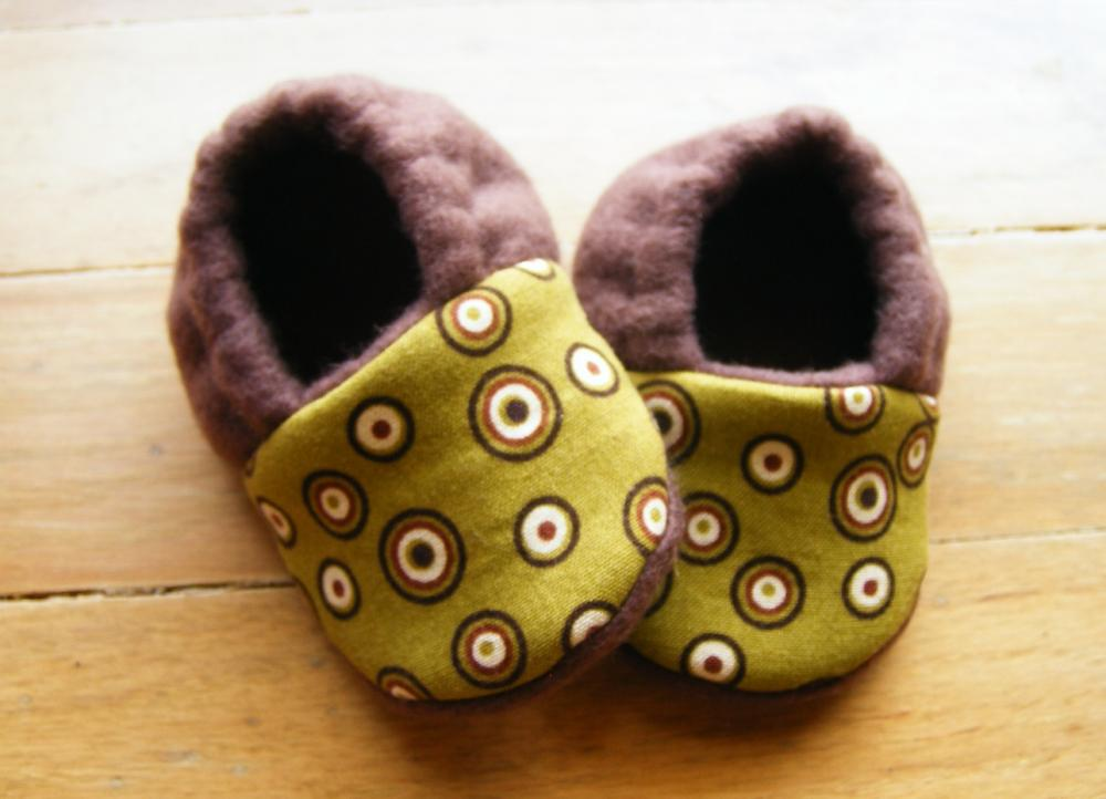 Mod Brown Circles Fleece Baby Booties